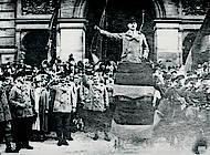 Friedrich Lube sprach vor Reichbannerleuten. Foto: Stadtarchiv Braunschweig Sign. H XVI: H III 2