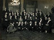 Landes- und Kommunalpolitiker der Braunschweiger SPD. Im Zentrum Heinrich Jasper (Ministerpräsident 1919 – 1920, 1922 –1924, 1927 – 1930). Foto: Arbeitskreis And. Geschichte