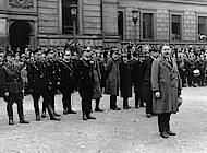 Minister Klagges bei Appell von Polizei und Hilfspolizei auf dem Schlossplatz am 7. März 1933. Foto: Braunschweigisches Landesmuseum, Repro Ingeborg Simon.