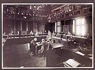 Sitzung des Braunschweigischen Landtags am 11.06.1932. Noch sind alle Fraktionen vertreten. Foto: Niedersächisches Landesarchiv - Staatsarchiv Wolfenbüttel 50 Slg 95