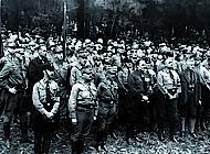 Nationalsozialisten beim Feldgottesdienst, darunter Himmler, Röhm, Göring. Sammlung Reinhard Bein, unbekannter Fotograf